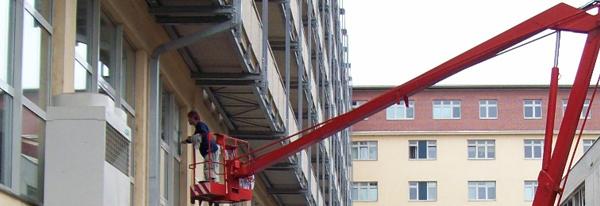 Mytí a čištění oken ve výšce Praha